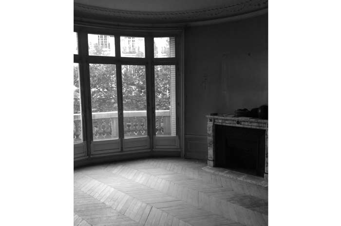 Photo du salon avant les travaux de rénovation et de modernisation de cet appartement haussmannien