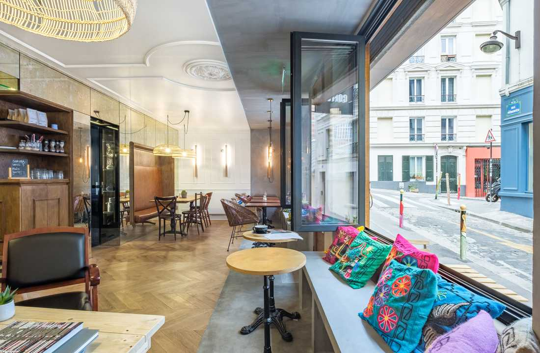 Haussmann style cafe-restaurant interior design in Marseille