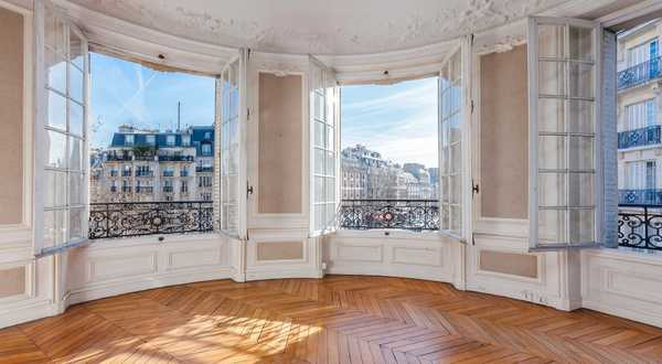Use the expert eye of an architect / real estate professional before purchasing a new house or apartment in Marseille.